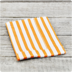 Papiertüten stripes 13x18 cm orange