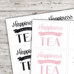 Motivaufkleber Typo - Happiness is a cup of tea